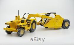 124 Reuhl John Deere 840/400 Agricultural Tractor Machine Diecast Model