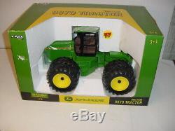 1/16 John Deere 8870 Tractor WithDuals by ERTL WithBox