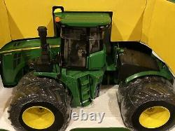 1/16 John Deere 9620R 4WD Tractor with Duals Prestige Collection