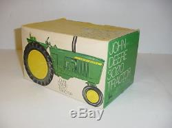 1/16 Vintage John Deere 3020 Wide Front Tractor WithClosed Box! Nice