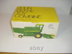 1/16 Vintage John Deere 6600 Combine WithChain Drive by ERTL WithBox
