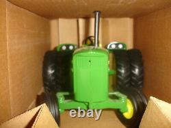 1/16 john deere 5020 with duals museum toy tractor
