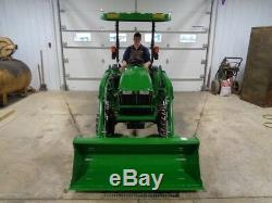 2016 John Deere 3038E Tractor, 4WD, JD 300E Loader, Hydro, ONLY 29 HOURS