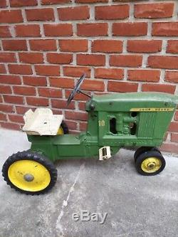 60's John Deere 10 ESKA 3 Hole Pedal tractor