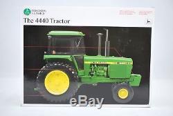 ERTL JOHN DEERE Model 4440 Tractor Precision Classics #17 116 15077