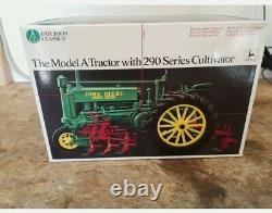 ERTL JOHN DEERE PRECISION CLASSICS #2 Model A Tractor With 290 Cultivator NIB