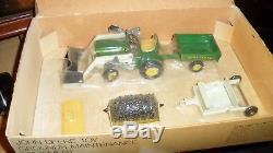 Ertl John Deere Toy Grounds Maintenance Equipment Set 140 Tractor 1/16 with box