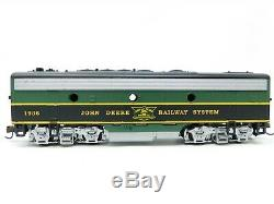 HO Scale Athearn 1998 John Deere Train Set Diesel with 3 Freight Cars, 2 Tractors