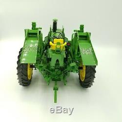 John Deere 1/16 Precision Classics The 4020 Tractor With 237 Corn Picker