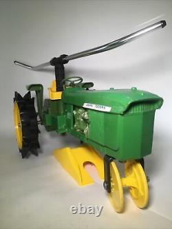 John Deere 4010 Cast Iron Tractor Slow Traveling Lawn Sprinkler TESTED