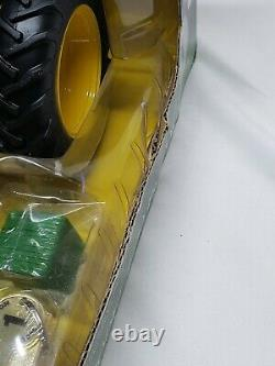 John Deere 4430 Tractor W Cab & Duals Precision Key Series #1 By Ertl 1/16 Scale