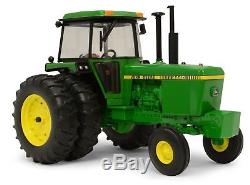 John Deere 4440 Tractor with duals PRESTIGE COLLECTION NIB! 1/16 scale LP51300