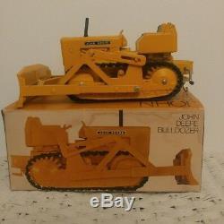 John Deere 450 Crawler Dozer Tractor Toy Ertl 1/16 In Ice Cream Box With Winch