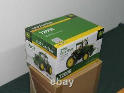 John Deere 7290R MFWD Toy Tractor 132 NIB Farm Show Edition GOLD Chase Chaser