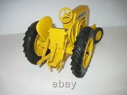 John Deere Farm Toy Tractor 440 Industrial RARE 1/16