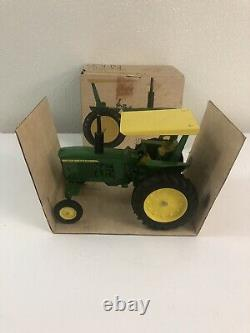John Deere JD 3020 Tractor With Rops 1/16