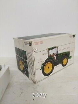 John Deere Precision Classics #8 Model 8400 Tractor 1/32 Scale