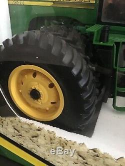 NEW! RARE HTF RC Radio Control John Deere Tractor 49MHz ERTL 9520