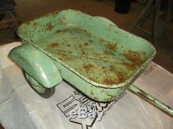 RARE 1950's ESKA FARMALL PEDAL TRACTOR 2-WHEEL CART TRAILER with SKIRTED FENDERS
