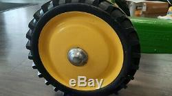 USA Ertl Model # 520 John Deere Toy Pedal Tractor Kid Toy Tractor 1979 minty