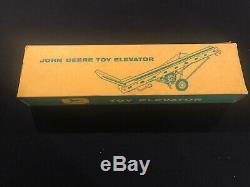 VINTAGE ESKA CARTER JOHN DEERE HAY ELEVATOR Tractor Nib BOX ERTL