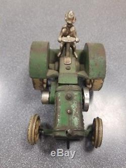 Vindex Model D John Deere Cast Iron Toy Tractor. 100% original
