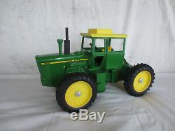Vintage Ertl 1/16 Scale John Deere 7520 4wd Farm Toy Tractor