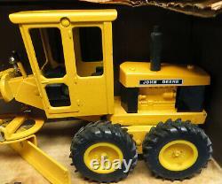 Vintage Ertl Toys Scale Models Diecast 1/16 John Deere Motor Grader MIB
