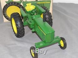 Vintage JOHN DEERE 3020 Tractor Wide Front New in Box NIB ERTL rare! 4020