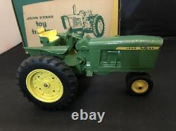 Vintage origianal 1st Edition John Deere 3010 Narrow Front/with close box 1/16